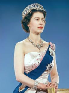 Sii come la Regina Elisabetta… anzi di più